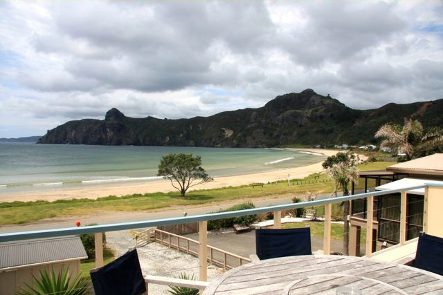 Taupo Bay Beach House Beachfront Holiday Accommodation